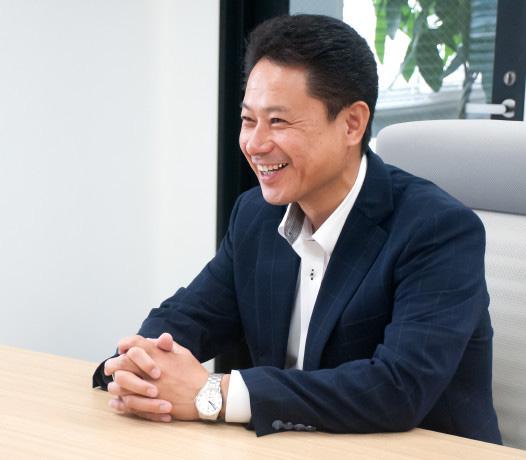 専務取締役 営業本部長 原田 康広